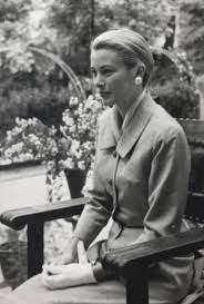 Veiled Millennial — gracie-bird: Princess Grace of Monaco paid a...