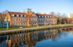 Het water tussen stralsund en rügen heet het strelasund. Hotel Hafenresidenz Stralsund Hotel De