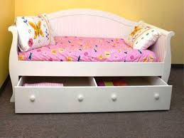 childrens day bed. Decorating Mesmerizing Kids Daybed 16 Daybeds With Trundle For Childrens Day Bed L