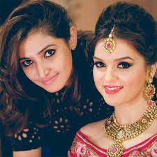 0971 6000 620 quick overview al shruti sharma is delhi based bridal makeup artist