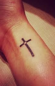 Co Dělá Tetování Na Boku Břicha Tattoo Kříž Význam Tetování Kříž