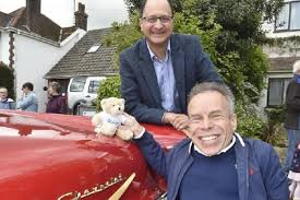 Somehow, though, he managed to make an impression on george lucas despite being dressed as an overgrown teddy bear. Warwick Davis At The Yaxley Festival Fantha Tracks