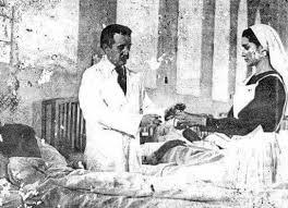 Unica foto del médico atendiendo