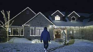 outdoor christmas lighting. Where You Want To See Lights? Rooflines, Windows And Door Frames Look Great Lit Up. Can Also Add Some Sparkle Any Greenery, Such As Bushes, Outdoor Christmas Lighting