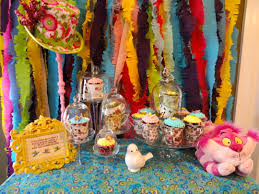 Alice In Wonderland Decorations Chloes Celebrations Alice In Wonderland Party Photo Encore