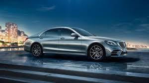 Jaunajā s klasē ar eq boost funkciju elektrodzinējs ar spēcīgu jaudu atbalsta iekšdedzes dzinēju paātrinājuma laikā. Mercedes Benz Eq Eq Boost
