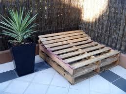 Tavoli Da Giardino In Pallet : Lettino prendisole fai da te design miss