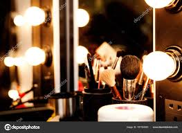 met lampen voor make up spiegel stockfoto