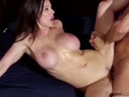 Busty stepmom kendra caught masturbating complet