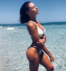 Silvia Provvedi, vacanza da single a Formentera per la ex di ...