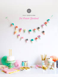 39 Easy DIY Party Decorations - Mini Honeycomb Ice Cream Garland - Quick  And Cheap Party