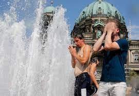 بعد أن بلغت درجات الحرارة مستويات قياسية.. المراوح في ألمانيا تتحول إلى  عملة نادرة