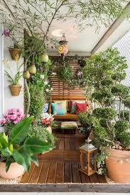 balcony garden. Image Credit: Balcony Garden Web U