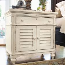 Paula Deen Bedroom Furniture Collection Steel Magnolia Paula Deen Home Steel Magnolia Platform Customizable Bedroom Set