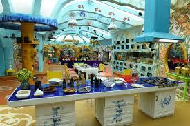 Amitabh Bachchan House Inside Cheap See Pictures Bollywood Stars - Amitabh bachchan house interior photos