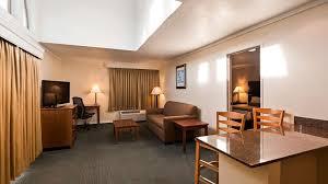 best western plus northwoods inn guest room