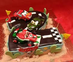 Torta di compleanno decorata cake design masha e orso pasticceria