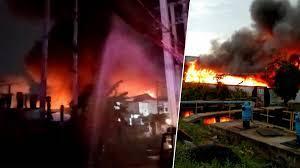 ด่วน! อาคารเริ่มมีรอยร้าว เริ่มทรุด ไฟไหม้โรงงานนิคมลาดกระบัง จนท.เจ็บ 1  นาย - ข่าวสด