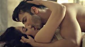 Varun Dhawan and Yami Gautam s kiss in Badlapaur Cool cute or.