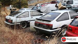 Two Toyota AE86's (Levin & Trueno) in a Junkyard - YouTube