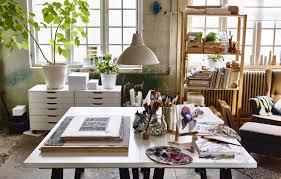 Turn your living room into an art studio