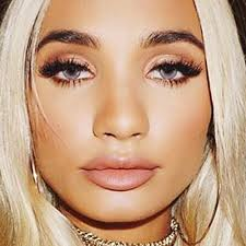 pia mia perez makeup black eyeshadow bronze eyeshadow lipstick steal her style