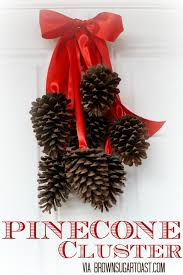Pine Cone Decorations For Christmas Beautiful Pine Cone Christmas Christmas Pine Cone Crafts