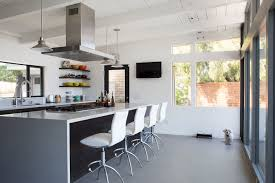 Charming Midcentury Kitchens Ranked From Virtually Untouched - Modern kitchen remodel