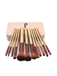 makeup brushes one need
