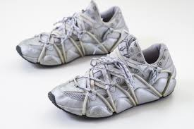 Avant Garde Silver Asics Running Shoes 2p9701 Size Us9 5 Shoes Sneakers