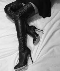 las black leather thigh boots from arollo net