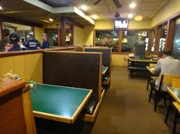 round table pizza dinning area