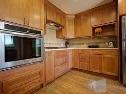 Shaker Maple Cabinets Midwestern Kitchen Ideas