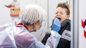 Corona und Kinder: Mehr Infektionen, nicht mehr Covid-19-Kranke - SWR  Aktuell