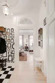Home Designs: 10 White Stairwell - Scandinavian