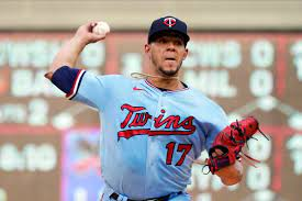Blue Jays trade for Twins ace Jose ...