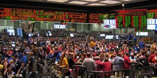 Товарная биржа реферат ru БИЗНЕСИНГ businessing  Кроме того биржа служила гарантом сделок что помогало предотвратить возможные махинации при совершении сделок