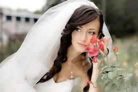 Je Opravdu Cool Svatební účesy Pro Středně Dlouhé Vlasy Se Závojem