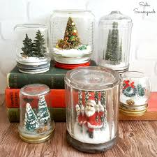Mason Jar Decorations For Christmas DIY Waterless Snowglobes with Vintage Mason Jars for Christmas Decor 21