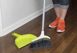 dustpans to keep es clean