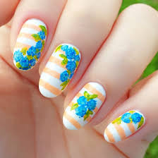 Simple flower nail designs (ideas and 20 + photos)