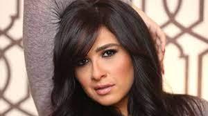 ياسمين عبد العزيز توجه رسالة من المستشفى: رأيت الموت