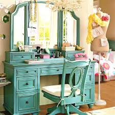 vanity mirror with lights and desk. makeup vanity ideas for small spaces | bedrooms mirror with lights and desk