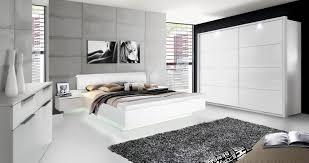 Schickes Schlafzimmer Komplett Weiß Hochglanz Story In Modernem Design