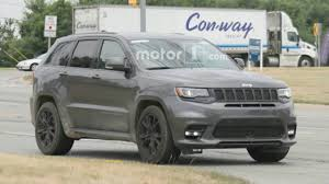 2018 jeep grand cherokee srt. delighful 2018 2018 jeep grand cherokee srt  spy shots inside jeep grand cherokee srt e