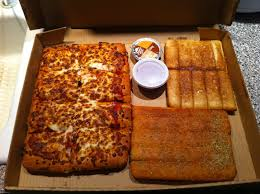 review pizza hut s 10 dinner box