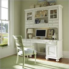 image of moderns white desk with hutch