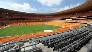 الوداد يتهم كايزر تشيفز بتخريب أرضية ملعب نصف نهائي دوري أبطال أفريقيا (صور)