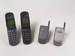 motorola old flip phones. in june 2000, motorola and cisco systems supplied the world\u0027s first commercial general packet radio service (gprs) cellular network to bt cellnet old flip phones