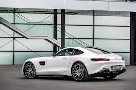 El amg gt brinda nuevas variantes para el diseño de su volante, y también brinda una variedad de decoraciones para la parte interna. La Familia Mercedes Amg Gt 2019 Ya Tiene Precio En Espana Entre 160 300 Y 209 100 Euros